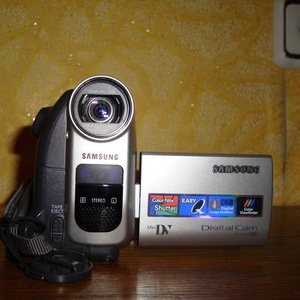 Цифровая видеокамера Самсунг VP-D361i mini-DV