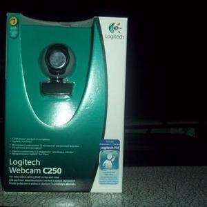 продам вэб-камеру logitech C250. 1.3 мегапикселя, встроенный микрофон